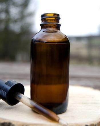 炭酸水やジュース、白湯や紅茶に数滴垂らして、ドリンクで楽しむことが出来ます。