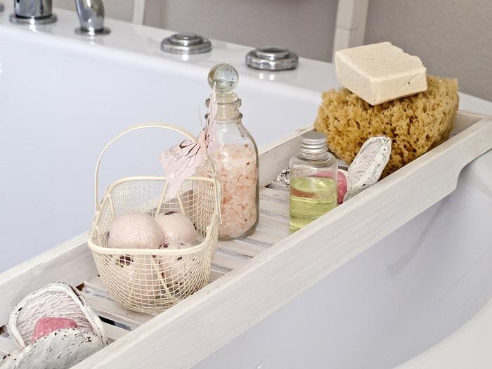 お風呂で使えば、好きな香りでとってもリラックスできそうですね。湯船にそのまま垂らしてもいいですが、バスウォーターとして作っておくことも出来ます。