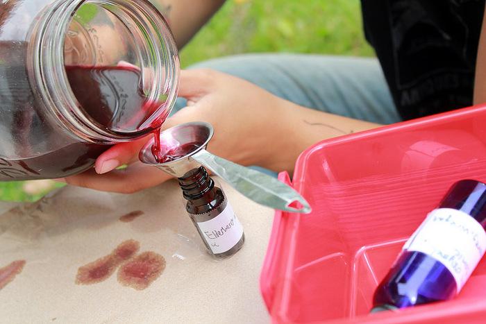 ハーブを濃縮♪お茶や化粧水、入浴剤にも使える「ハーブチンキ」の作り方と使い方