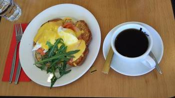 こちらのコーヒーはオーストラリアブランドのVittoriaコーヒー。朝食メニューは24時間オーダー可能だそう。