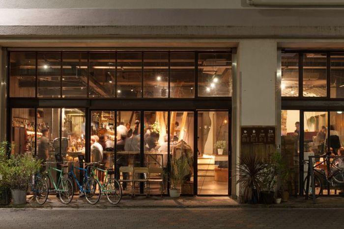 tocoの2号店としてオープンしたNuiは、古くからものづくりが盛んな蔵前エリアにあり、Nuiの建物も江戸時代から続く玩具会社の倉庫を改装したのだそう。