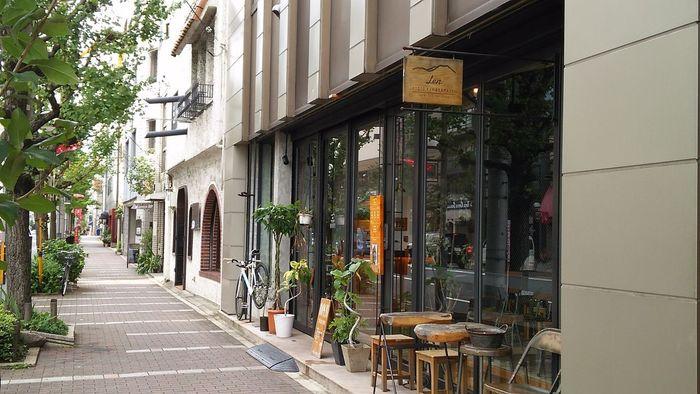 京都観光にぴったりなロケーションのLenも、上でご紹介した2店の姉妹店。カフェやバーも併設されていて、飲み物や美味しいお料理も楽しむことができます。