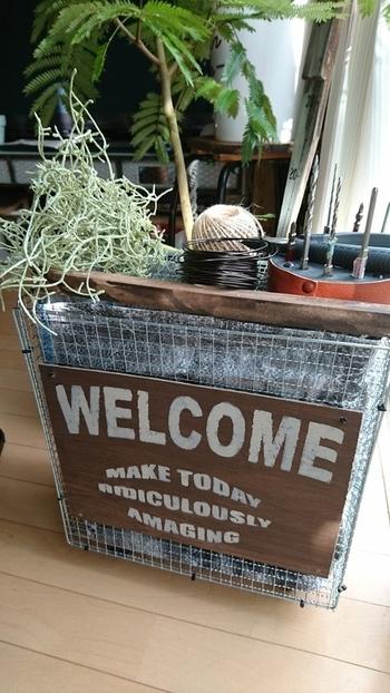 大きめサイズの焼き網を使えば、ゴミ箱も作れます。結束バンドで固定するので、作るのも簡単ですよ。蓋つきで見栄えもGOOD。収納に使うのもおすすめです。