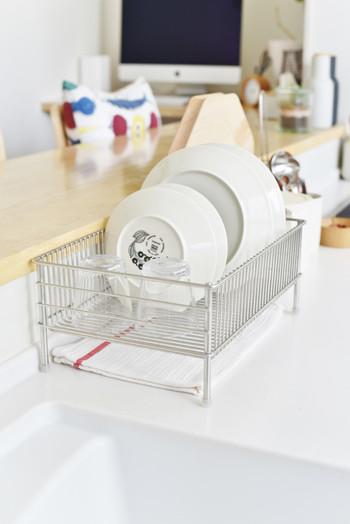 """""""la base(ラ・バーゼ)""""とはイタリア語で【基本・基礎】という意味。 料理研究家の有元葉子さんの「もっとよいものを…」という想いが、このキッチンシリーズを誕生させました。 料理研究家ならではの発想と視点で生まれるアイディアには、使用者にもうれしいことがいっぱい!"""