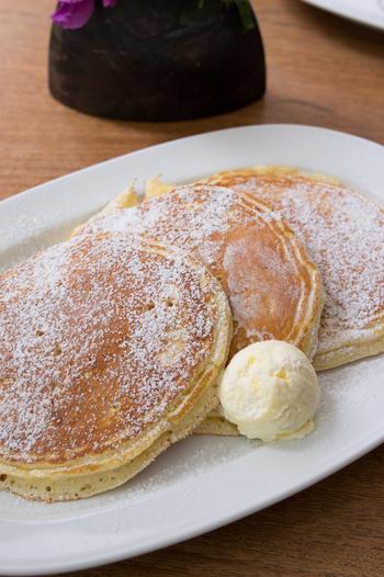 朝は8時からオープンしているので、おやすみの日にゆったりテラスで朝食…というのも素敵ですよね*