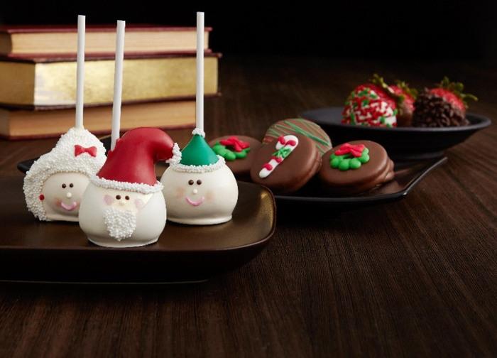クリスマスにはやっぱりサンタクロース!こんなに愛らしいサンタクロースがいたら、クリスマスもより楽しく過ごせそうですね。