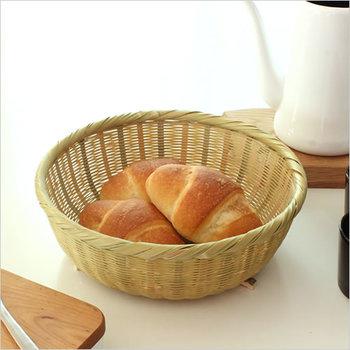 湿気がこもらないから、焼きたてパンにも重宝します。