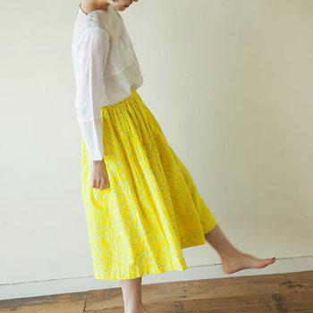 完成したギャザースカートがこちら。ギャザーの分量も絶妙です。  とっても簡単なので、好きな柄や生地を見つけてるたびに、作りたくなってしまいそう。