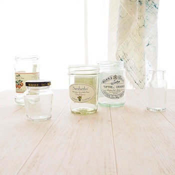 洗っても入っていた物の臭いが取れない瓶やタッパーなどに、コーヒーかすを入れて蓋をしておけば脱臭効果が期待できます。瓶やタッパーも長く使うことができて一石二鳥!