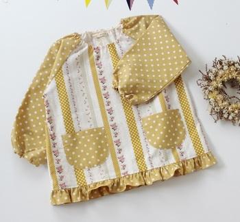 スモックや服は難しいので市販のもので構いませんが、挑戦したい!という方は是非。自分の好きな布で好きなデザインをする楽しさが湧いてきますよ♪お子さんが大きくなってくるので、最初は1枚でもOKです。
