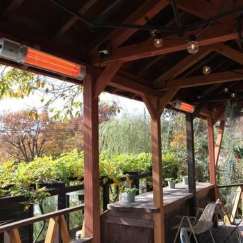 植物たちに囲まれた空間で美味しい空気を吸う喜び。 ピクニック気分でソルソファームをもっと楽しみましょう。