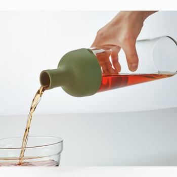 高温のお湯でお茶を淹れると、タンニンやカフェインなどの苦みや渋みのもとになる成分が溶け出してしまうんです。