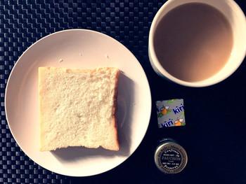 厚切りをそのままじっくり味わうと、ほのかな甘さはスイーツのよう。カフェオレやミルクティーと共に、おやつにも◎