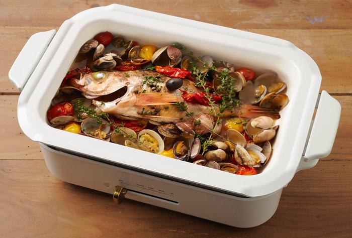 セラミックコート鍋を使えば、アクアパッツァを作ることも出来ます。 難しそうに見えて意外と簡単なので、是非作ってみてください!