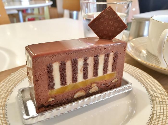 お店で一番定番的に人気のあるケーキ。 ヘーゼルナッツとアプリコットとの絶妙なバランスが人気の秘訣。