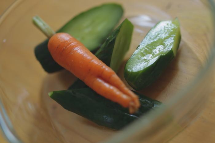 暑い日にさっぱりいただける。夏に作りたい【漬物レシピ】15選とアレンジメニュー