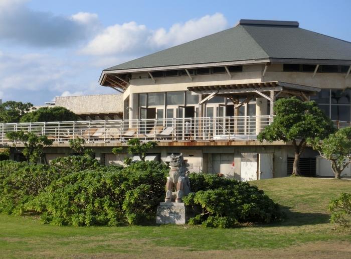 バーデハウス久米島では、サウナ、温水プール、ボディトリートメントなどが完備した複合型スパです。異国のリゾート地を彷彿とさせる久米島で、バーデンハウスを訪れ、贅沢なひとときを過ごしてみてはいかがでしょうか。