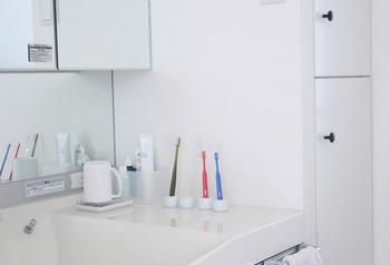 洗面台をおしゃれに変身♪素敵な「歯ブラシスタンド」を集めたよ