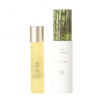 朝におすすめの「uka nail oil 7:15(ナナイチゴ)」。サンダルウッドやヒノキ、ユズなどが、心地よい香りを演出してくれます。