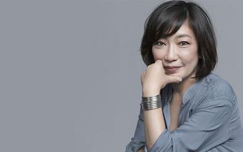 「uka」は代表取締役社長の渡邉季穂さんがプロデュース。ネイリストとして毎日女性の手に触れてきた彼女だからこその発想、想いから作られた新感覚ネイルオイルをご紹介します。