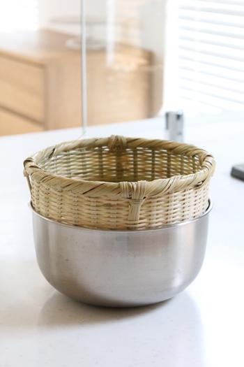 米研ぎでも竹が活躍。優しく洗うことができるので、いつもよりごはんが美味しく炊けそうです。