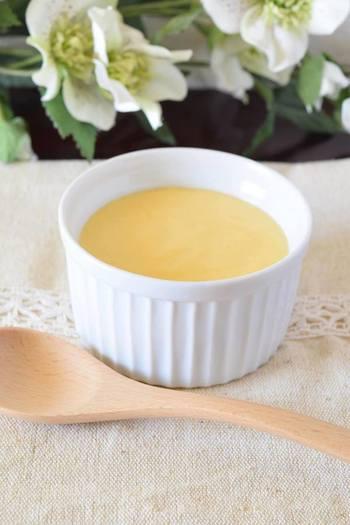 マヨネーズも、基本的には卵、油、塩、お酢の4つの材料で作ることができます。自家製のマヨネーズはなめらかでとってもマイルド。マスタードやカレー粉などアレンジも可能!