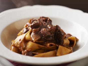 長きにわたってイタリア料理に携わってきたシェフが手掛ける料理のクオリティは高く、季節によって変わる旬の食材を使った本格イタリアンが気軽に楽しめますよ。