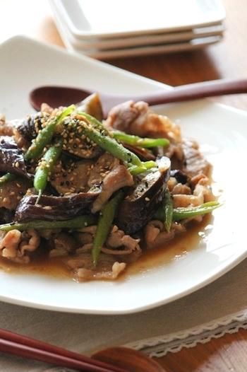 でも、甜麺醤も味噌と砂糖をベースにご自宅で作ることができます。自家製甜麺醤を使った炒め物や、自家製甜麺醤で作った肉みそを乗せたジャージャー麺は、癖になるおいしさですよ。