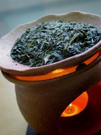 「新茶」の香りは、日本人なら誰もが癒される香りの一つです。瑞々しくって爽やかな香りは新茶ならではの楽しみですよね。