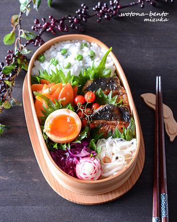大葉をうまく使ったおかずの並べ方。バランの代わりに活用してみて!大葉を使うなら肉や魚系のおかずも一緒に沿えると良いですよ。