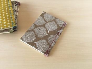 ぬくもりを感じる「和綴じ」製本。素敵なアイテムと手作り方法をご紹介♪