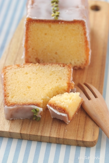 サワークリームも隠し味に入っているので爽やかでしっとりとしたケーキになっています。見た目にも、ピスタチオのグリーンがケーキに映えてとてもキレイですね!
