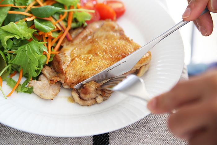 お肉料理は、余分な脂が落ちるからカリッとした仕上がりに。料理初心者の方でもプロ並みの仕上がりになります。