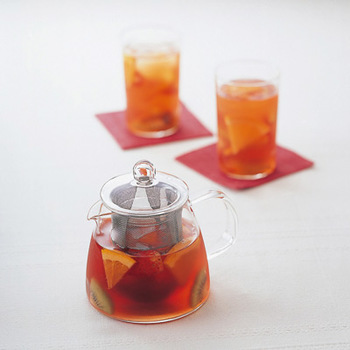 紅茶にフルーツを入れたり、フレーバーティーを楽しんだり、自分好みにアレンジしてみてくださいね♪