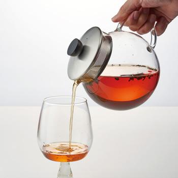 紅茶初心者の人はいきなりアレンジするのではなく、まずは基本的な淹れ方を学びましょう! まずは紅茶本来の美味しさを味わうのが醍醐味ですよ♪