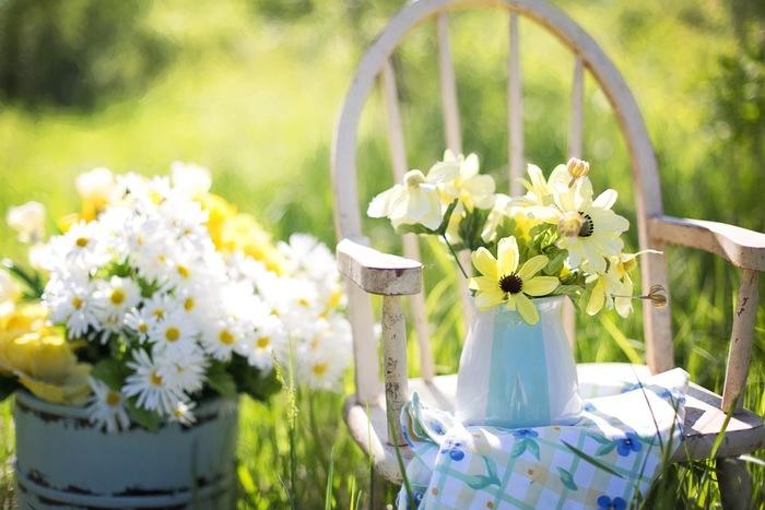 お庭で過ごす時間が増えると、植物の美しさや力強さに癒されます。手軽にマネできるガーデニングのアイデアを参考にして、海外雑誌から抜き出たような素敵なお庭をデザインしてみませんか?