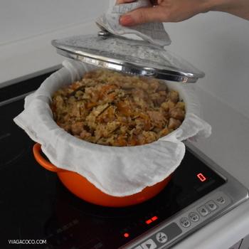 おこわを蒸すときの蒸し布としても使えます。 いろいろと料理にも使えそうですね。 料理にふきんを使う場合は、料理用として使い分けましょう。