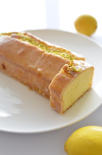 基本的なウィークエンドシトロンの作り方になります。シュガーバッター法と言って、お砂糖をバッターに先に入れる作り方のことです。もっとも一般的なパウンドケーキの作り方になります。