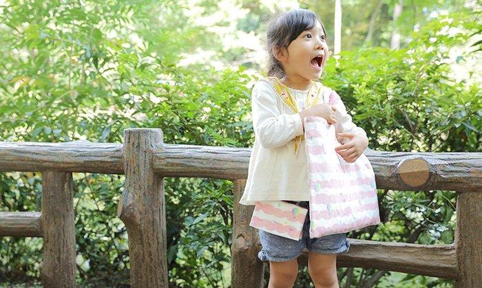 レッスンバッグとお揃いの布で作れば、とってもお洒落。女の子のお子さんも大満足です。