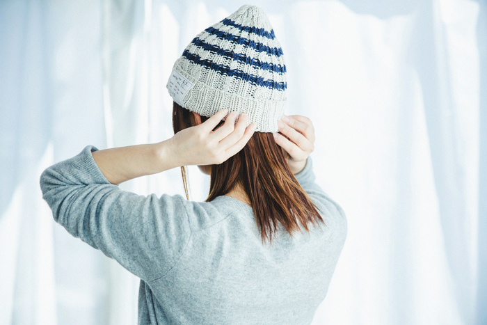 春夏用の素材は、肌触りが気持ちのいいドライタッチのコットンを使い、お洗濯もしやすいニット帽。秋冬はカシミヤやウールが人気です