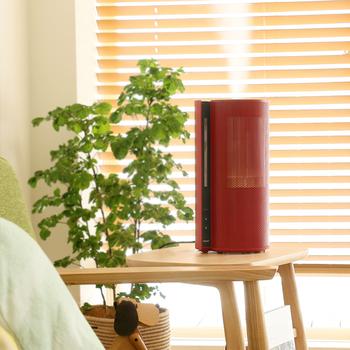 乾燥が気になるこの季節。加湿器を使う方も増えてきたのではないでしょうか?でも、ただつけているだけでは効果がないどころか、マイナスになることも…。せっかく使うのだから、加湿器の正しい使い方を知って、うるおいのある生活を送りませんか?