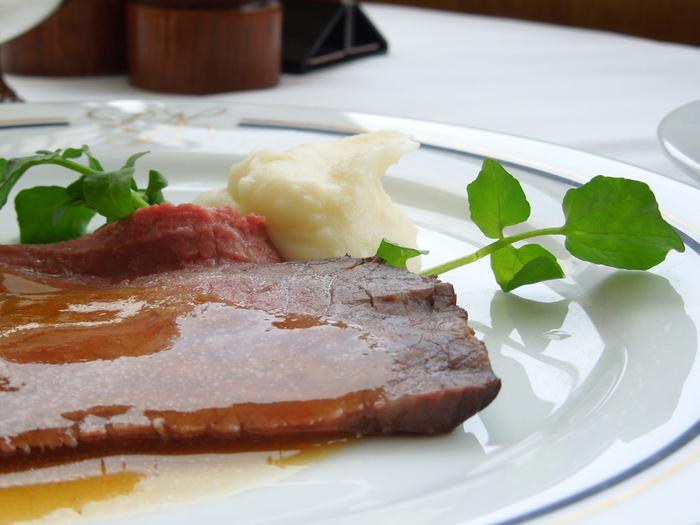 ステーキなどに飾りのようにちょこっと添えてあるイメージが強いクレソンですが、メインの料理としても実は大活躍。健康にはもちろん、美容にも嬉しい野菜「クレソン」を使って簡単で美味しいレシピをご紹介します。