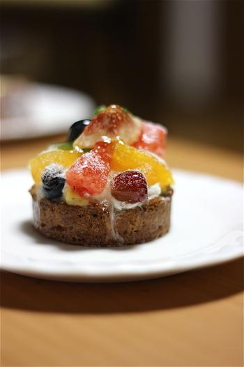 小さなお菓子のなかには美味しさと優しさがいっぱいつまっています。豪華すぎない定番のお菓子は、毎日通って全種類食べたくなるほど。