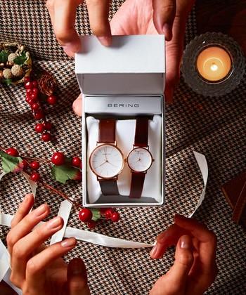 今回ご紹介した腕時計は、15,000円から、高いものでも50,000円ほどのお値段です。この値段なら、誕生日やクリスマス、ヴァレンタインなどのプレゼントに最適ですよね。機能的でおしゃれな北欧ブランドの腕時計、ぜひチェックしてみてください!
