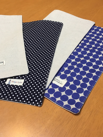 布を四角に切って縫うだけのシンプルさ♪裏布があった方が簡単です。
