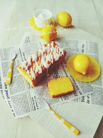 はちみつをたっぷり使用したパウンドケーキです。カフェメニューになりそうな華やかさです!レモン風味のアイシングもケーキと相性が良くて、とてもおいしいですよ。