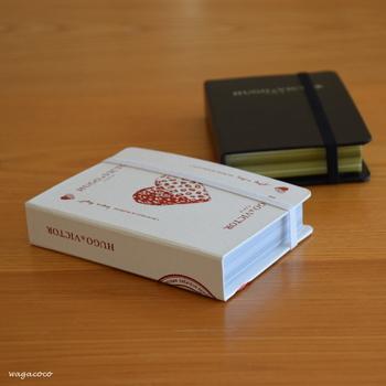 チョコレートが入っていた、まるで本のようなボックス。  インテリアグッズとして*