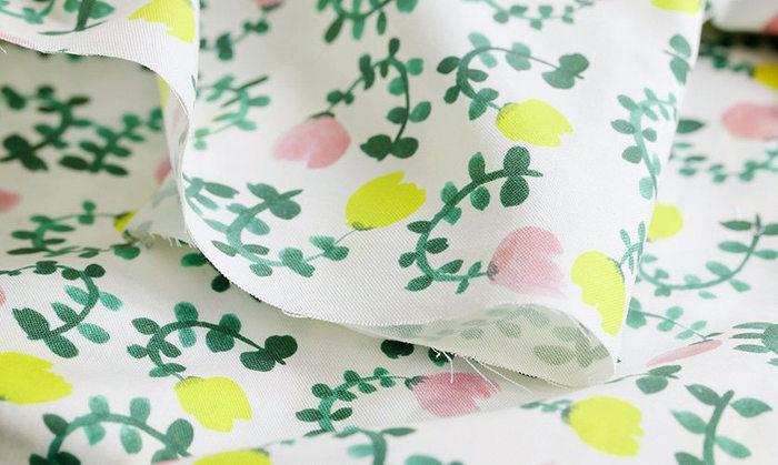 ●本体布(エプロン部分) ●紐用布または平紐 ●ミシン&ミシン糸 ●マチ針 ●アイロン