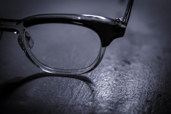 多くの著名人も愛用する「白山眼鏡店」。当初はヨーロッパ直輸入のメガネとオリジナルメガネの半々の割合でしたが、現在ではオリジナルフレームのみを取り扱い、約110アイテム550種ものバリエーションを取り揃えています。