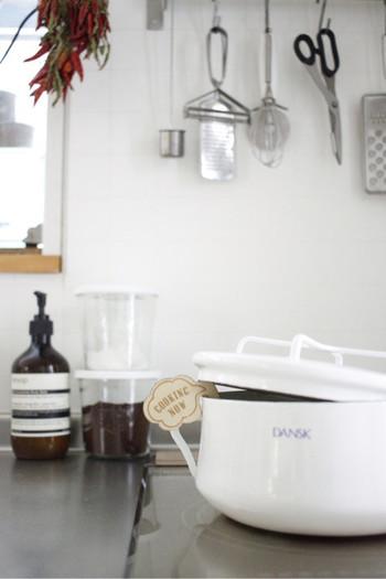 キッチングッズやお掃除グッズもかわいくって楽しい♪これはお鍋の噴きこぼれを防ぐ、ポットウォッチャーというもの。見た目もユニークでかわいい!